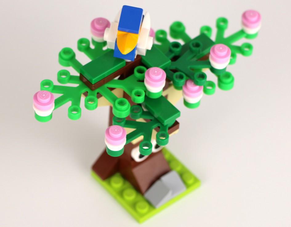 LEGO Frühlingsbaum (40096) | © Andres Lehmann / zusammengebaut.com