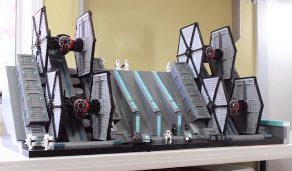 Lego Star Wars Tie Fighter Hangar! | © LegoSpencer / YouTube Screenshot
