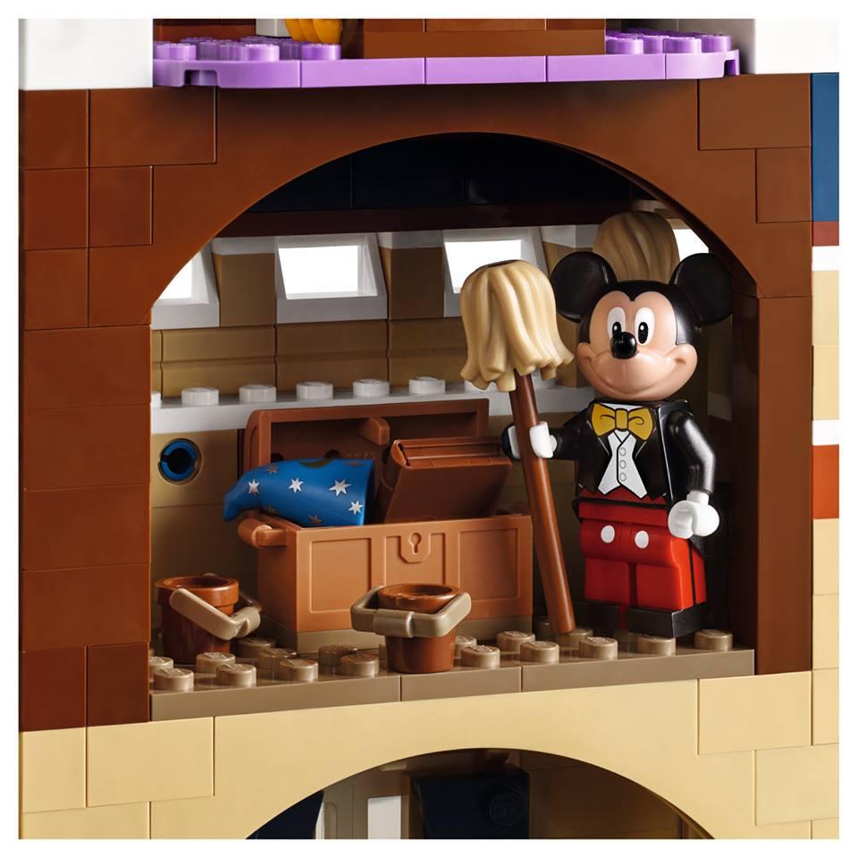 Und Micky Maus darf nicht fehlen! | © LEGO Group