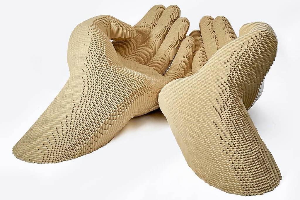 Die Zukunft in Händen tragen | © Riccardo Zangelmi / Italian LEGO User Group / LEGO Group