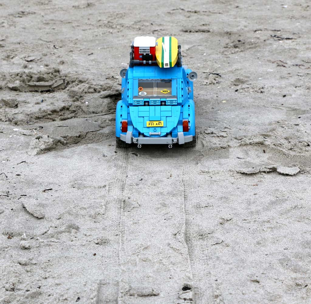lego-creator-expert-volkswagen-beetle-vw-kaefer-10252-strand-scharbeutz-ostsee-2016-zusammengebaut-andres-lehmann zusammengebaut.com