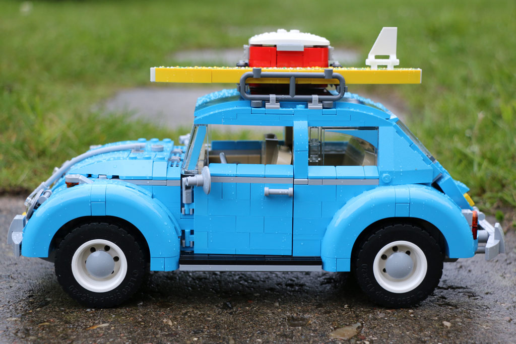 Die Kühlbox ist gefüllt, und auch das Surfbrett ist auf dem Dachgepäckträger angebracht. | © Andres Lehmann / zusammengebaut.com