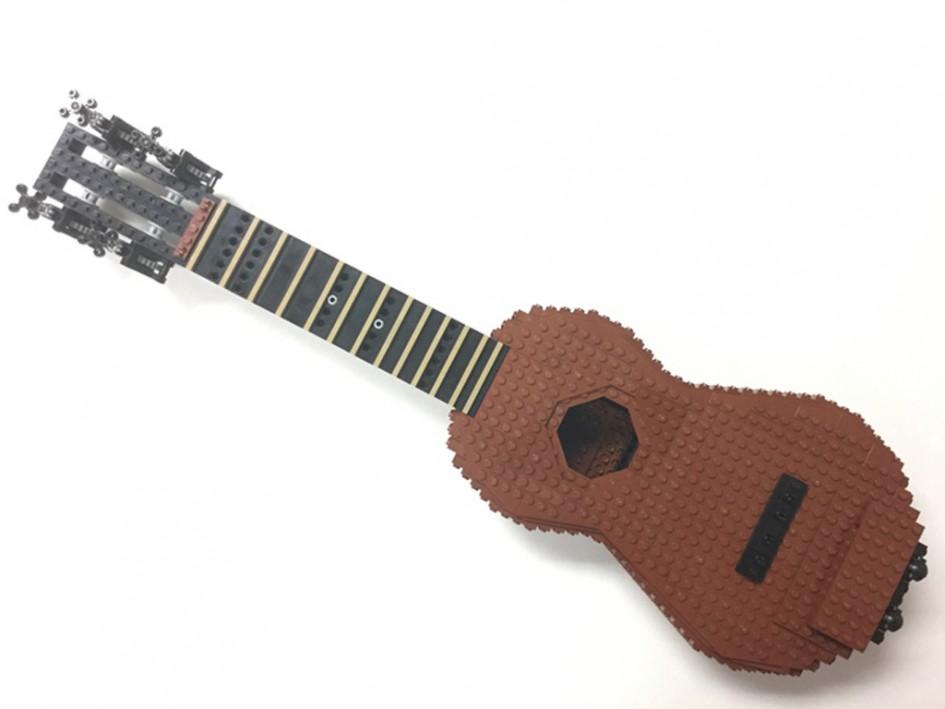 Functional Ukulele (Playable) | © Oviattben / LEGO Ideas