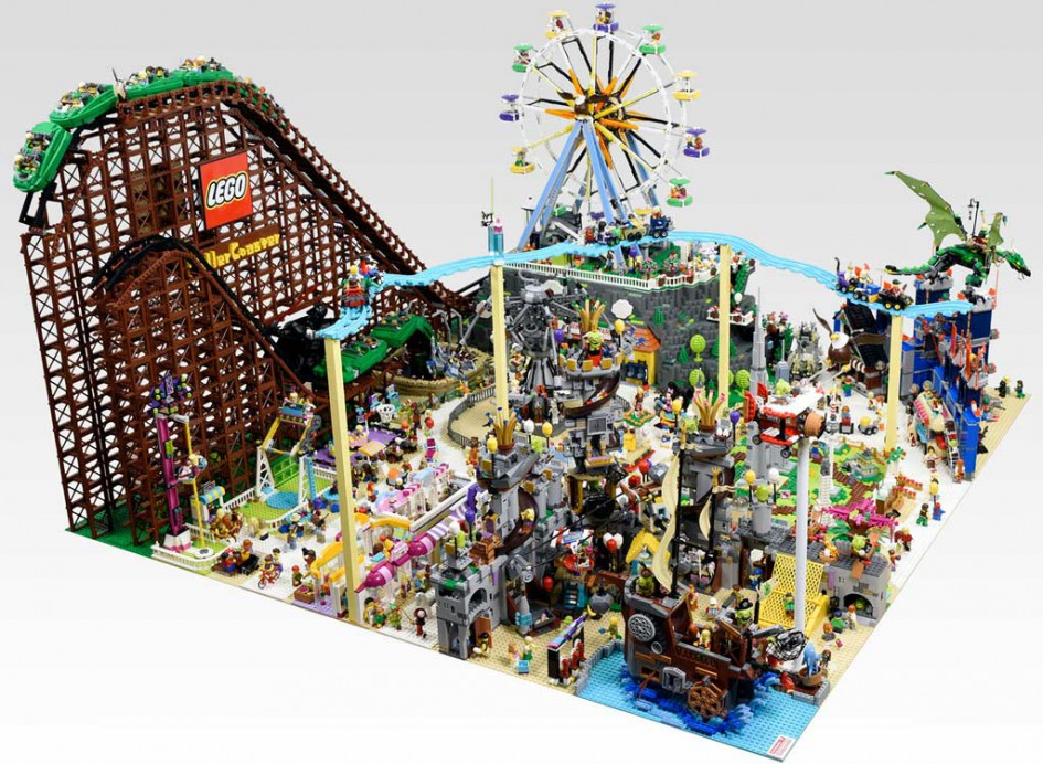 Lego Mini amusement park diorama | © OliveSeon / Flickr