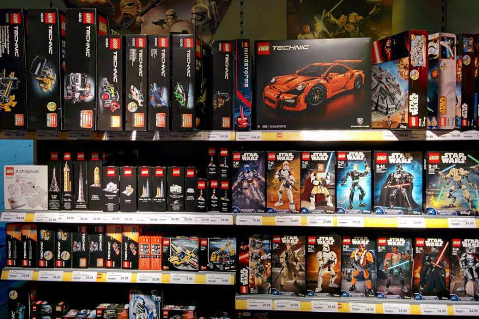 Faix: Viele aktuelle LEGO Sets in den Regalen | © Andres Lehmann / zusammengebaut.com