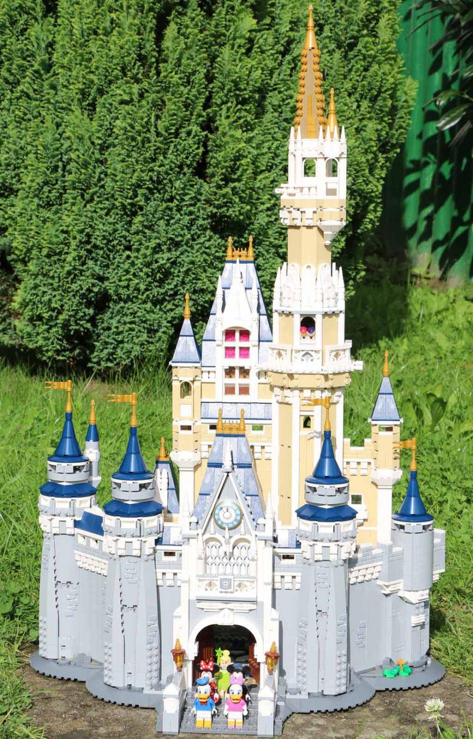 LEGO Disney Schloss   © Andres Lehmann / zusammengebaut.com