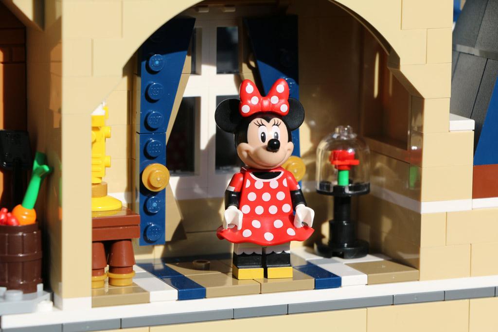 Minifiguren lassen sich spielend positionieren | © Andres Lehmann / zusammengebaut.com