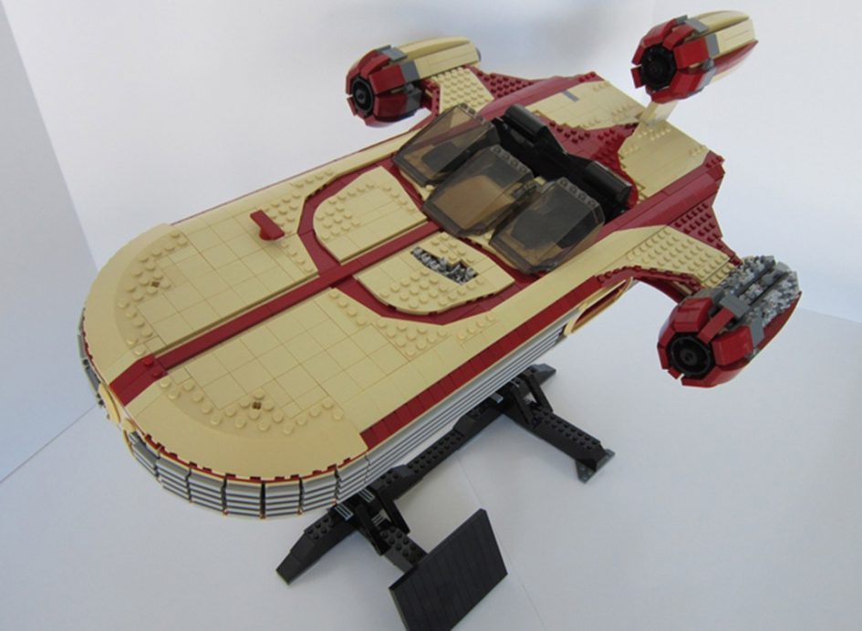 Star Wars UCS X34 Landspeeder   © Psyence- / LEGO Ideas