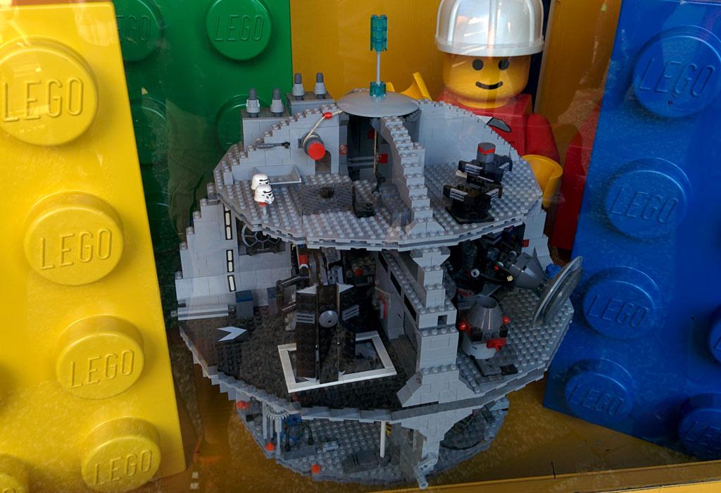LEGO Star Wars Todesstern im Heide Park Resort | © Andres Lehmann / zusammengebaut.com