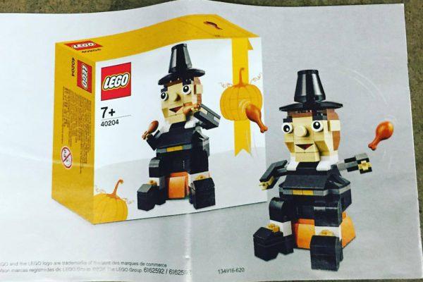 LEGO Thanksgiving Seasonal Set (40204):   © BrickVibe Facebook
