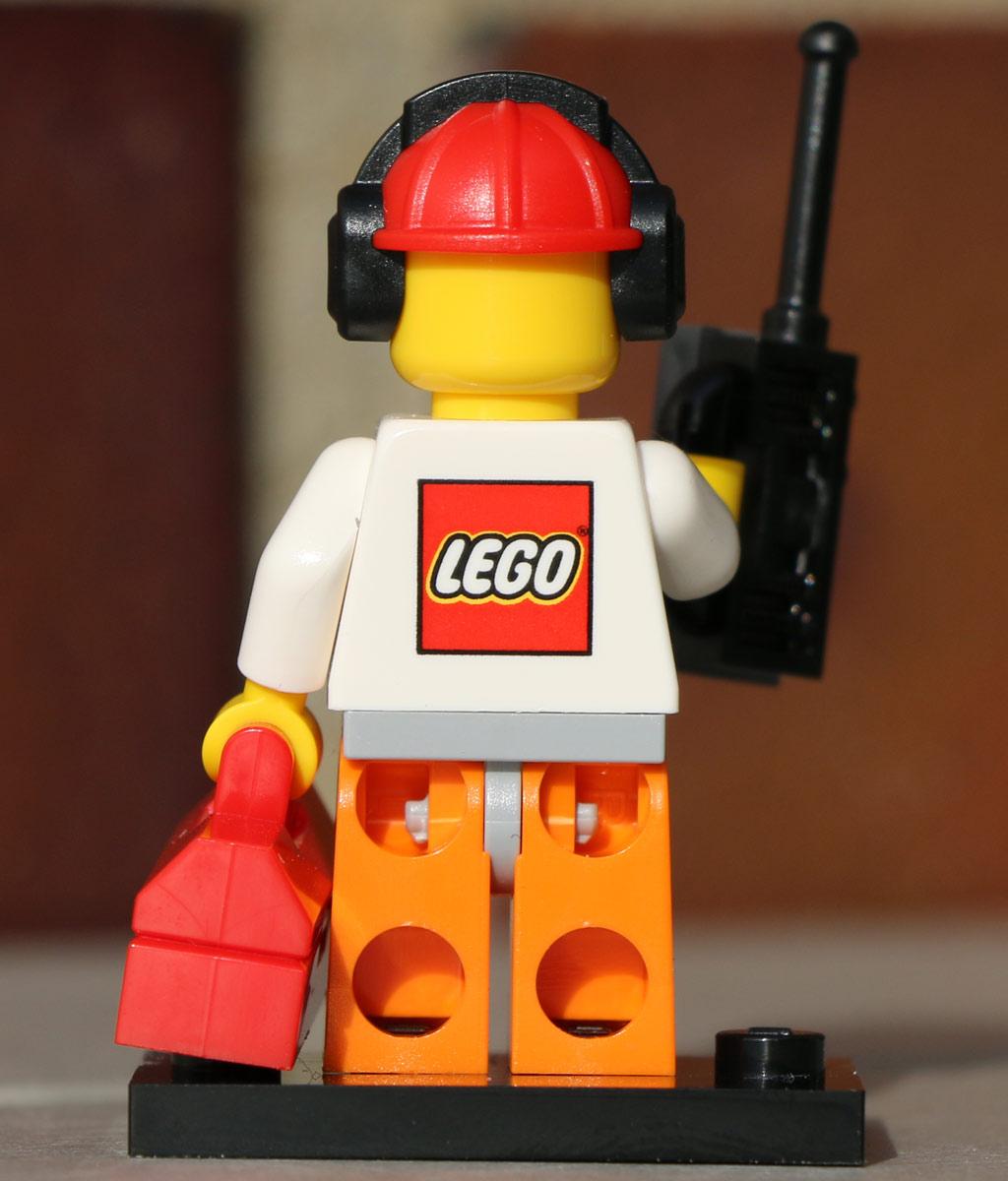 LEGO Logo auf dem Rücken | © Andres Lehmann / zusammengebaut.com