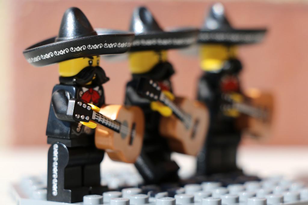 Die Hüte sitzen, die Gitarren sind gestimmt!   © Andres Lehmann / zusammengebaut.com