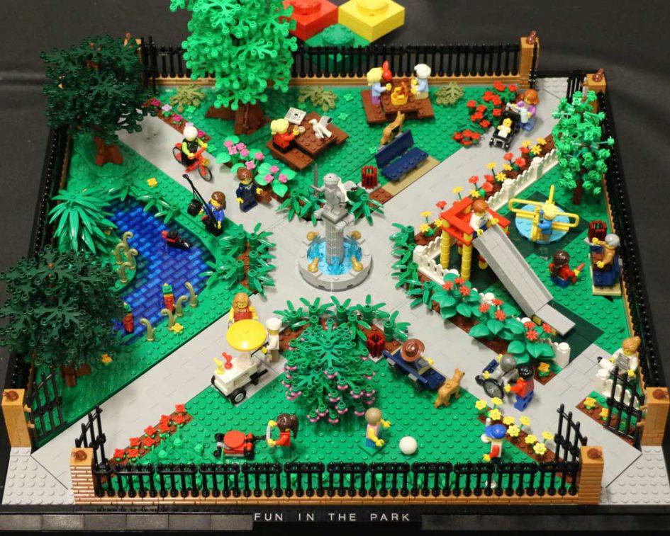 Spaß im Park garantiert: LEGO MOC von Huw Millington | © Andres Lehmann / zusammengebaut.com