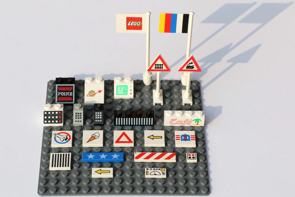 bedruckte lego steine aus den 80er jahren farbe im spiel zusammengebaut. Black Bedroom Furniture Sets. Home Design Ideas