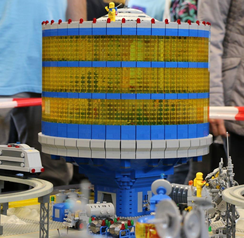 LEGO Classic Space Moonbase von Daniel Heberle | © Andres Lehmann / zusammengebaut.com