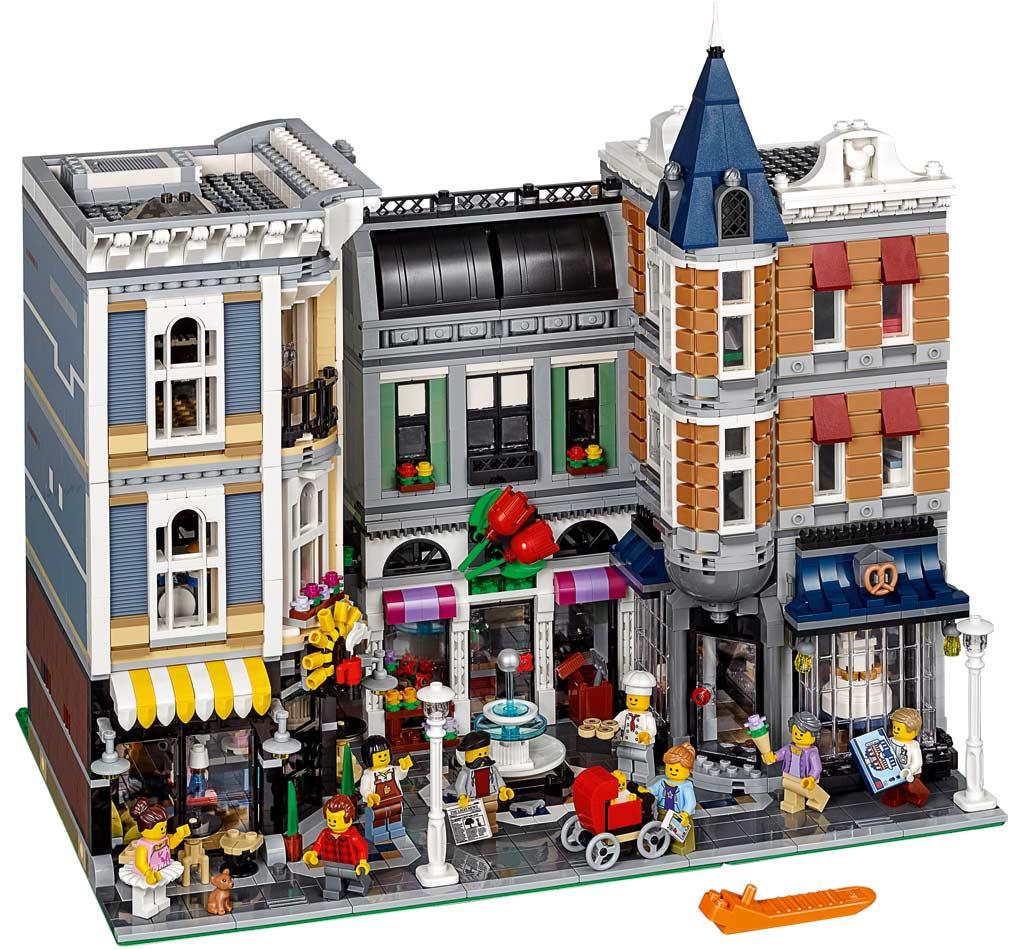 Das sind ja gleich drei Häuser auf einmal! | © LEGO Group
