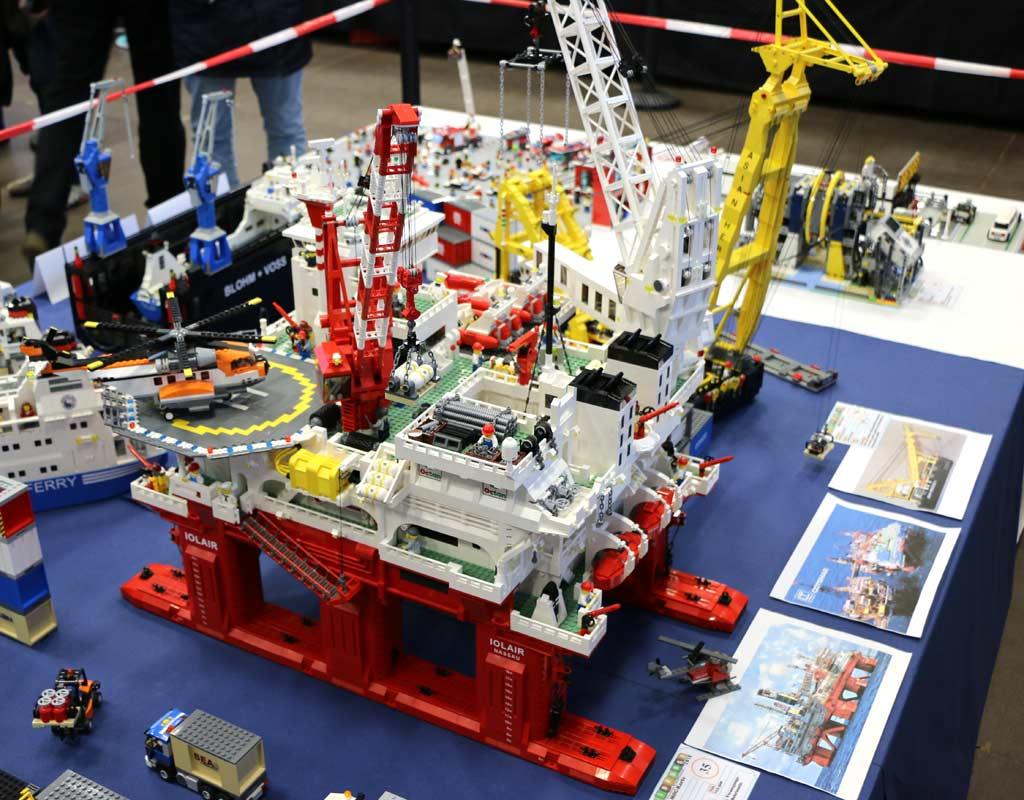LEGO-Nachbau: Off-Shore Anlage Iolair von Lothar Becker | © Andres Lehmann / zusammengebaut.com