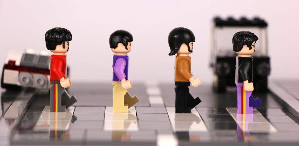 Einmal munter durchgetauscht: 1969 waren es George, Paul, Ringo und John. Doch diesmal durfte George vor. Ich persönlich finde ja, er sieht aus wie Ringo... :D | © Andres Lehmann / zusammengebaut.com