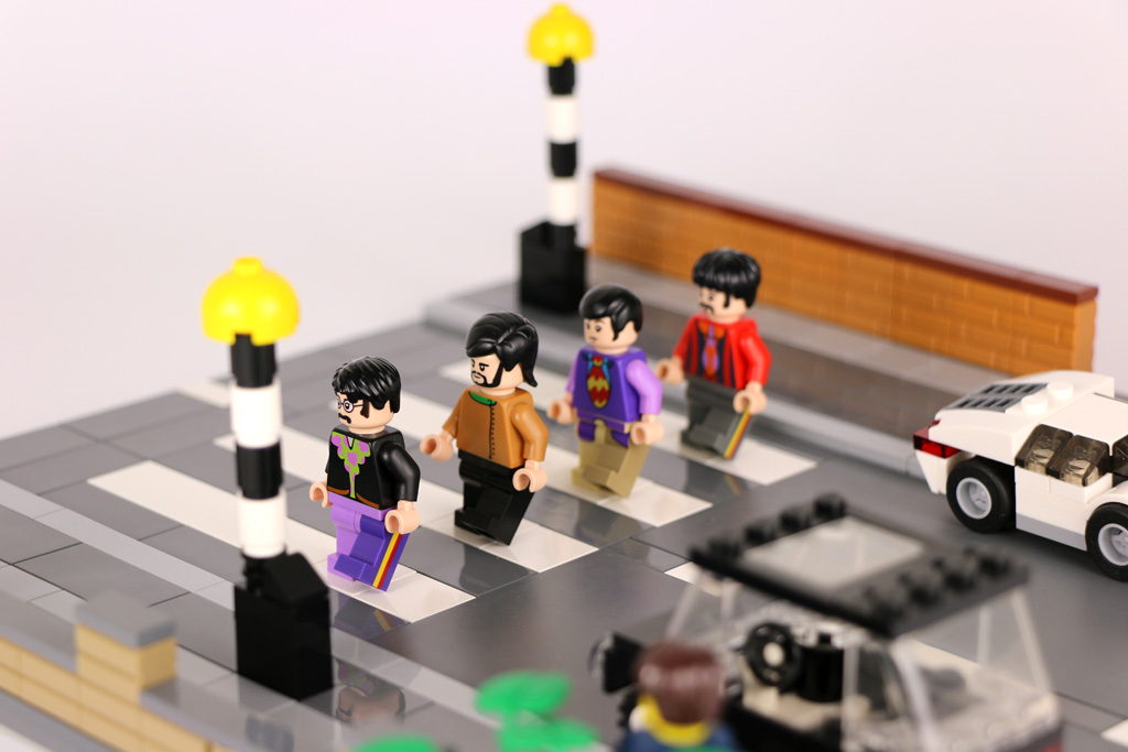 lego-moc-the-beatles-minifigures-abbey-road-zebra-opposite-side-2016-zusammengebaut-andres-lehmann zusammengebaut.com