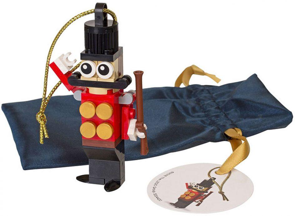 LEGO Spielzeugsoldat als Weihnachtsbaumschmuck | © LEGO Group