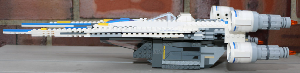 Der LEGO U-Wing ist 44 Zentimeter lang.   © Andres Lehmann / zusammengebaut.com