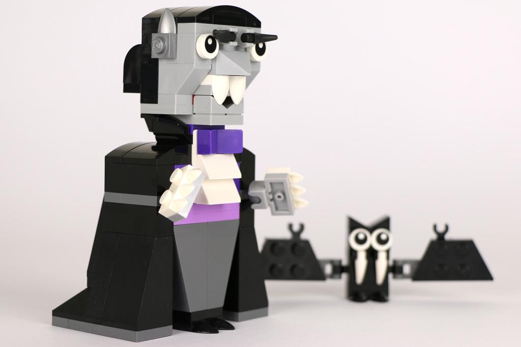 Großer Vampir, kleine Fledermaus | © Andres Lehmann / zusammengebaut.com