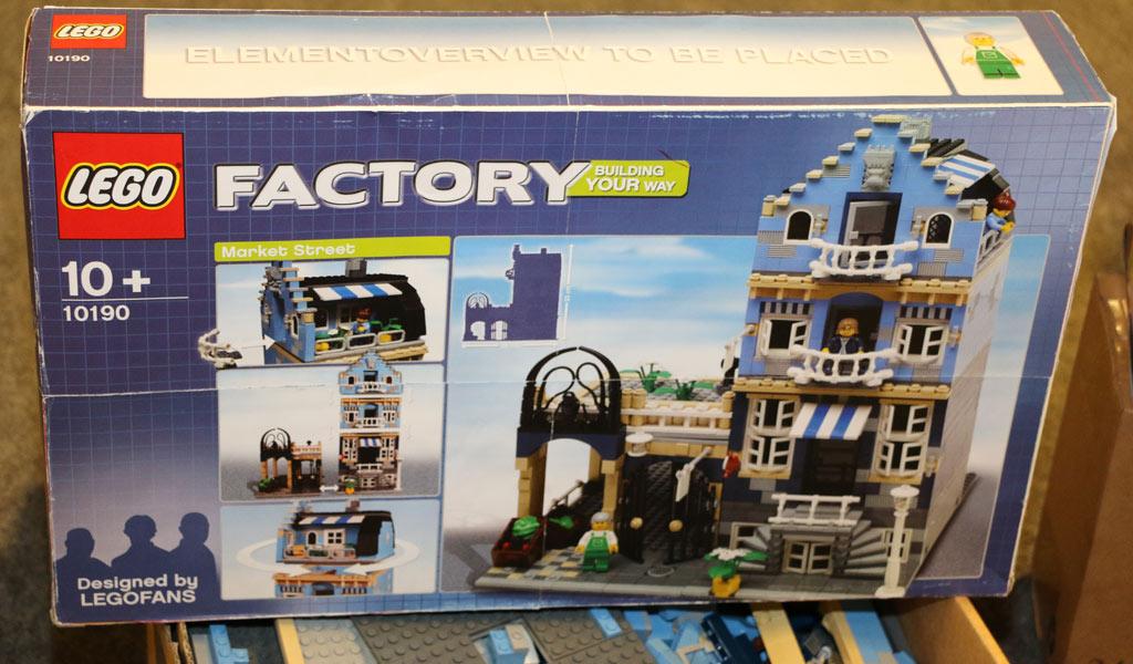 LEGO Factory Market Street (10190) | © Andres Lehmann / zusammengebaut.com