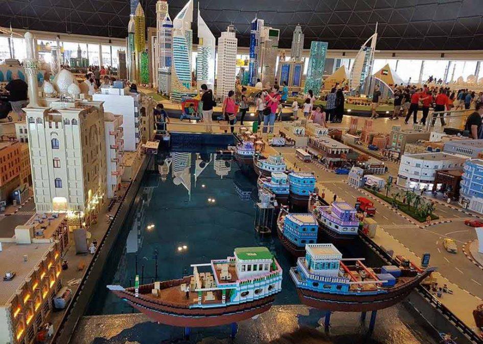 LEGOLAND Dubai: Kleines Hafenszenario im Miniland | © Ronald Innes