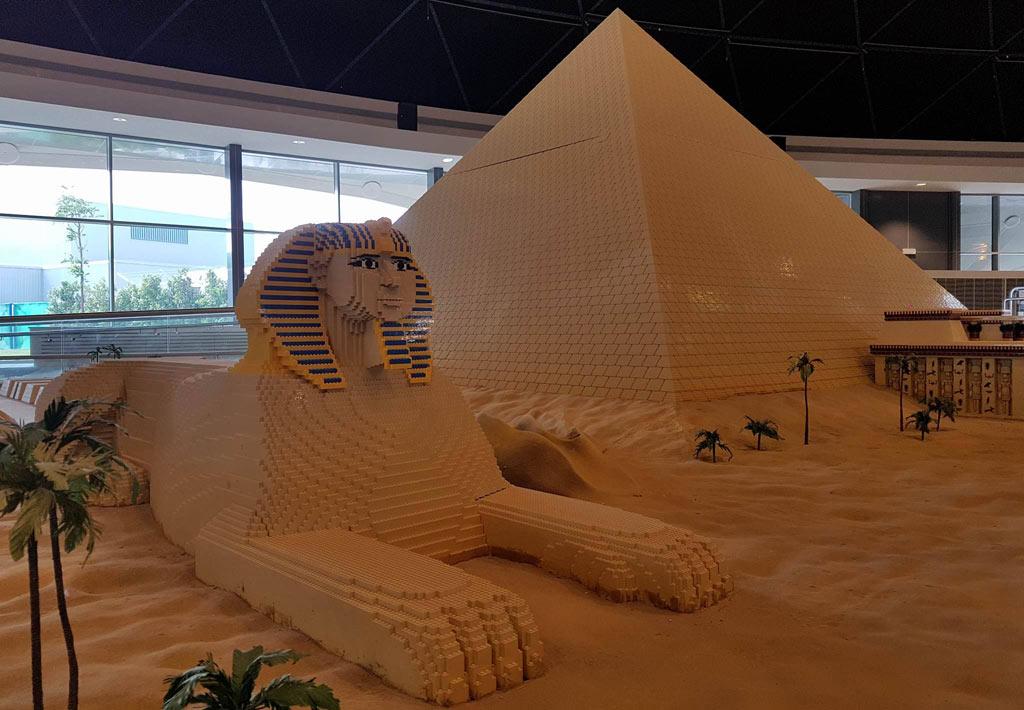 Diese Pyramide wird bewacht! | © Ronald Innes