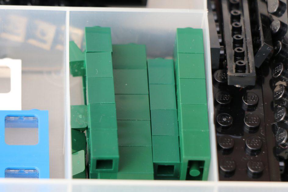 LEGO Emerald Night Smaragdexpress (10194): Auf der Suche nach den richtigen Teilen | © Andres Lehmann / zusammengebaut.com