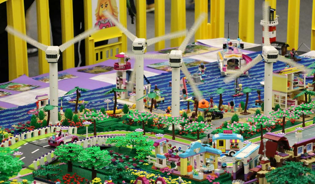 Riesiges LEGO Friends Layout | © Andres Lehmann / zusammengebaut.com