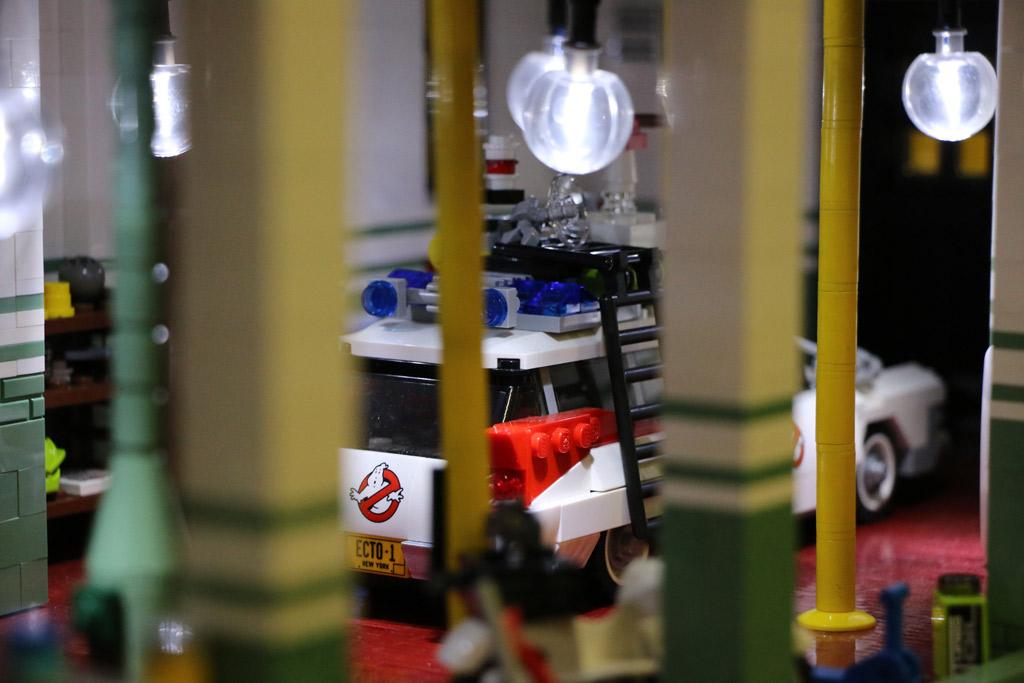 LEGO MOC: Oliver Klabuhn und eine Garage für den Ecto-1 | © Andres Lehmann / zusammengebaut.com