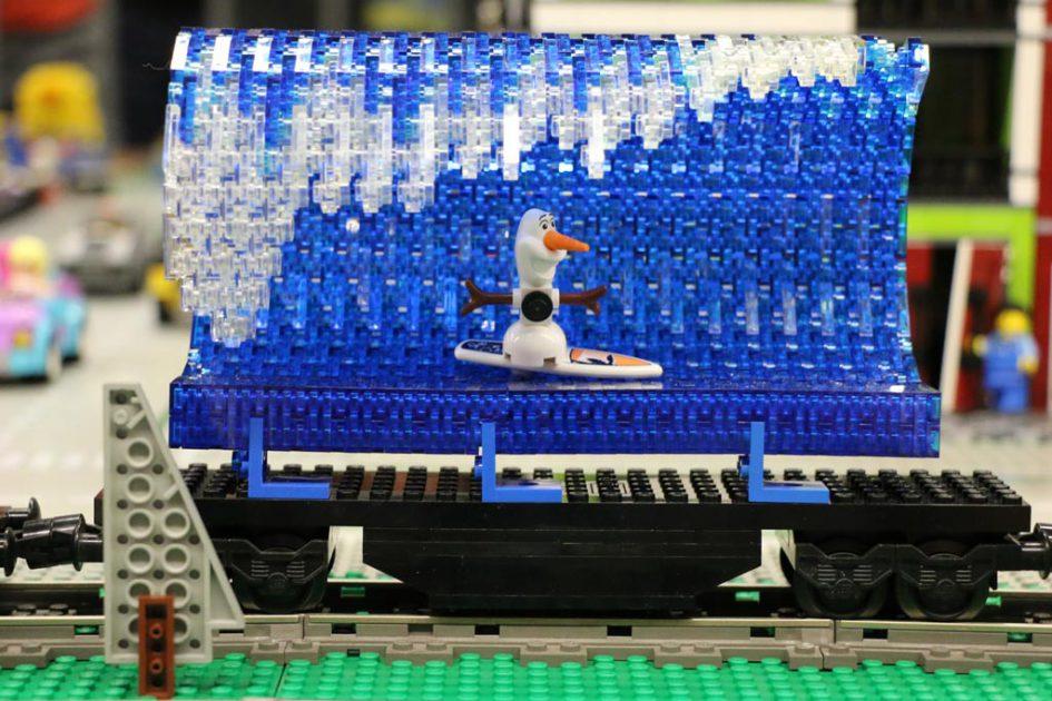 LEGO MOC von Peter Kammer Swiss LUG: Olaf und die perfekte Welle | © Andres Lehmann / zusammengebaut.com