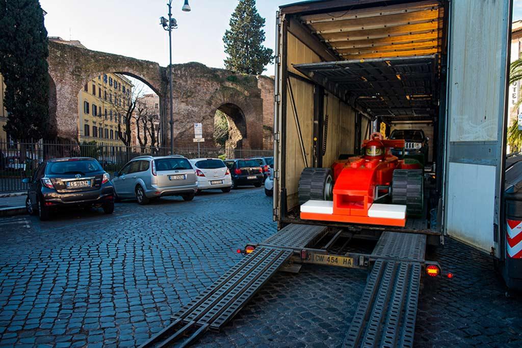 Ferrari mit... Maxifigur | © Domenico Franco