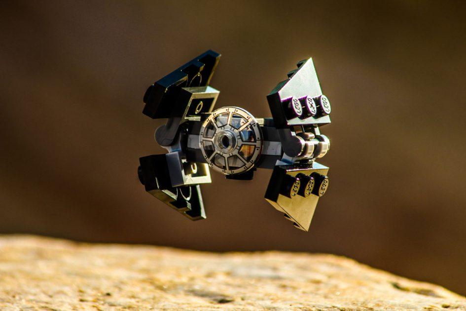 Der TIE Interceptor ist der schnellste, am besten zu manövrierender und bewaffnete Starfighter der Imperialen Flotte. Bei der Schlacht von Endor verteidigten sie den zweiten Todesstern.  | © Markus Land