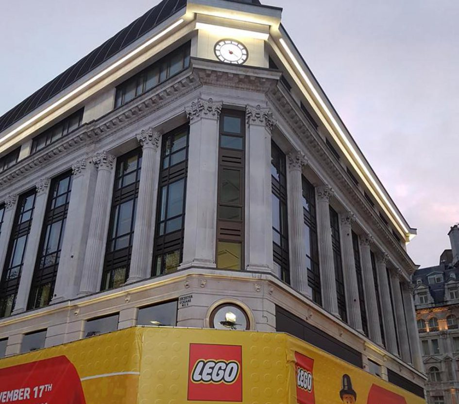 LEGO Store Leicester Square in London: Welch Kulisse! | © Huw Millington / brickset.com