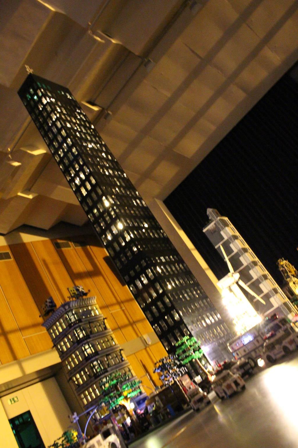 Tower von Sven bei Nacht | © Gábor Horváth