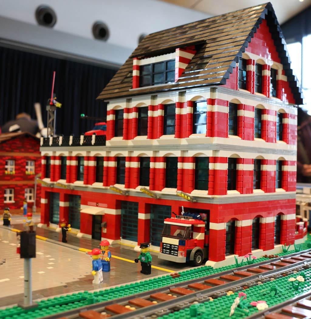 Feuerwehr vor Ort | © Michael Kopp / zusammengebaut.com