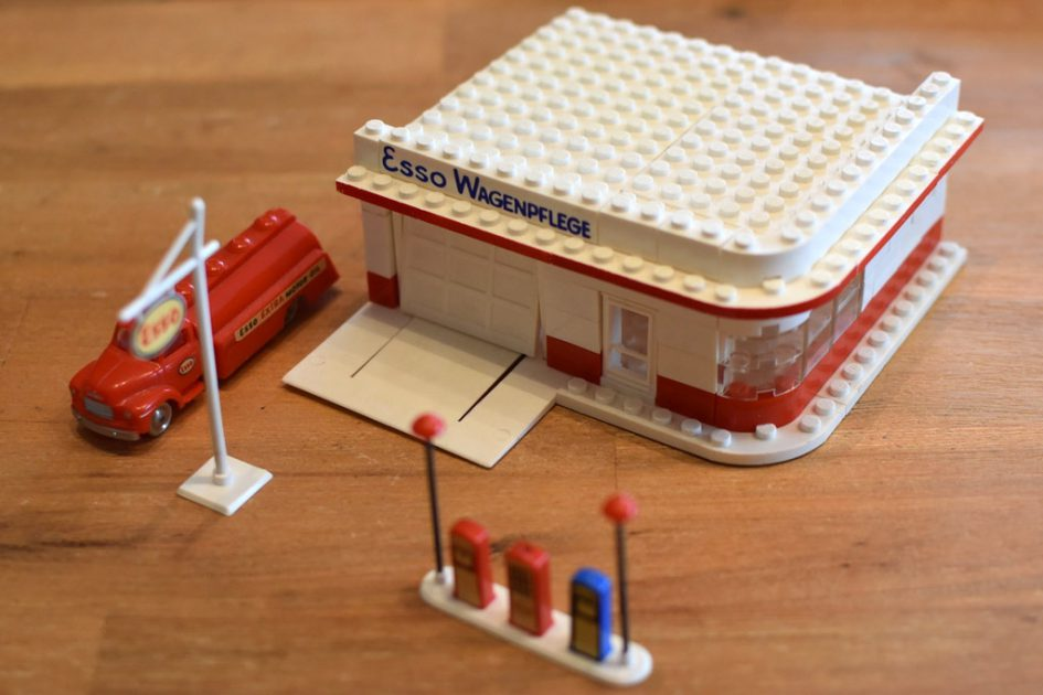lego esso tankstelle 310 5 aus 1958 im classic review zusammengebaut. Black Bedroom Furniture Sets. Home Design Ideas