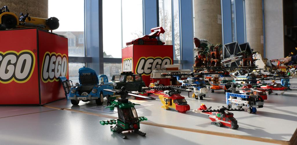 LEGO Hubschrauber im sonnigen Glanze | © Michael Kopp / zusammengebaut.com