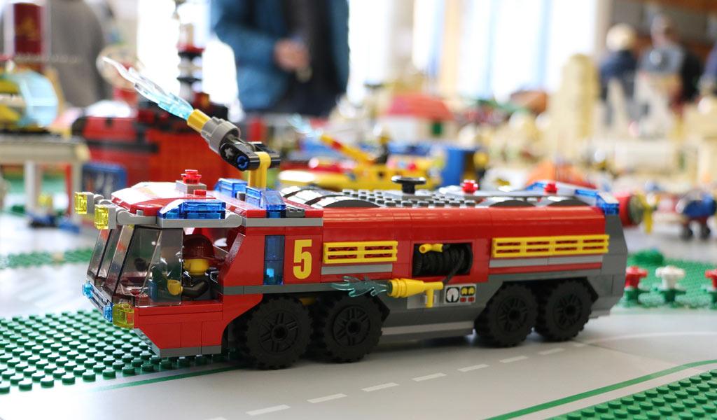 Feuerwehreinsatz auf dem Rollfeld | © Michael Kopp / zusammengebaut.com