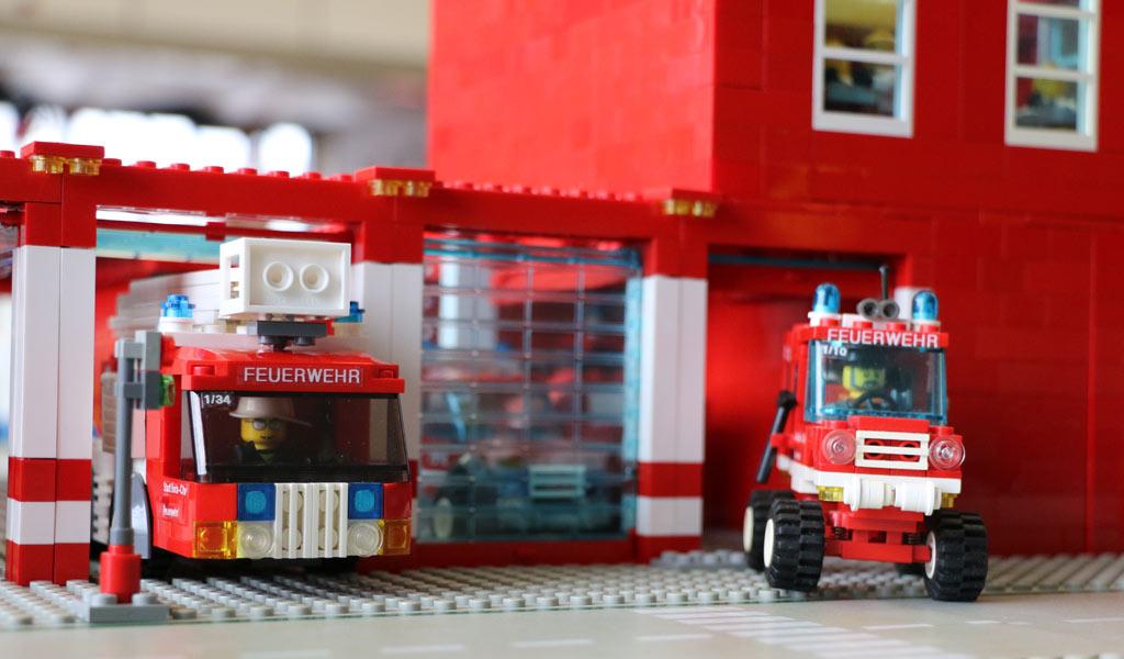 Lego moc einsatzfahrzeuge feuerwehr thw zusammengebaut for Brick city motors reviews