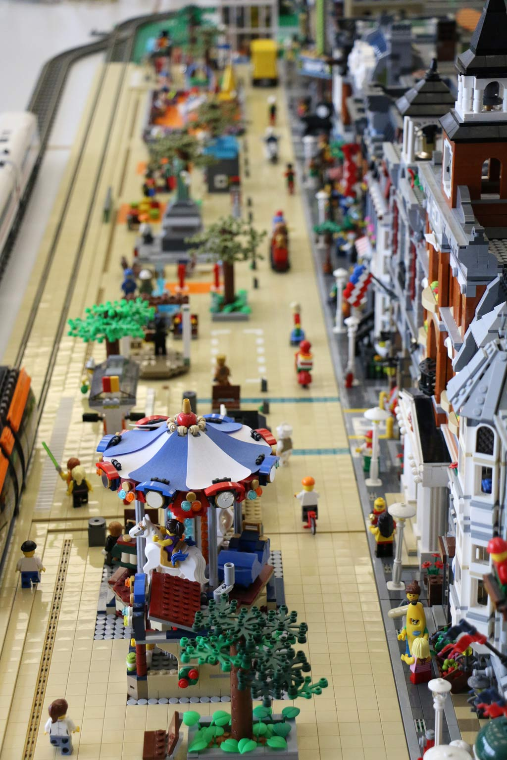 Flaniermeile der Ukonio City | © Andres Lehmann / zusammengebaut.com