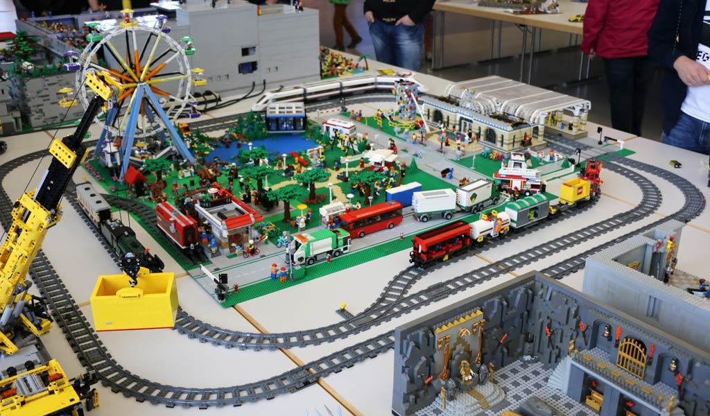 "LEGO Layout: Kultursommer am ""KuBa"" | © Andres Lehmann / zusammengebaut.com"
