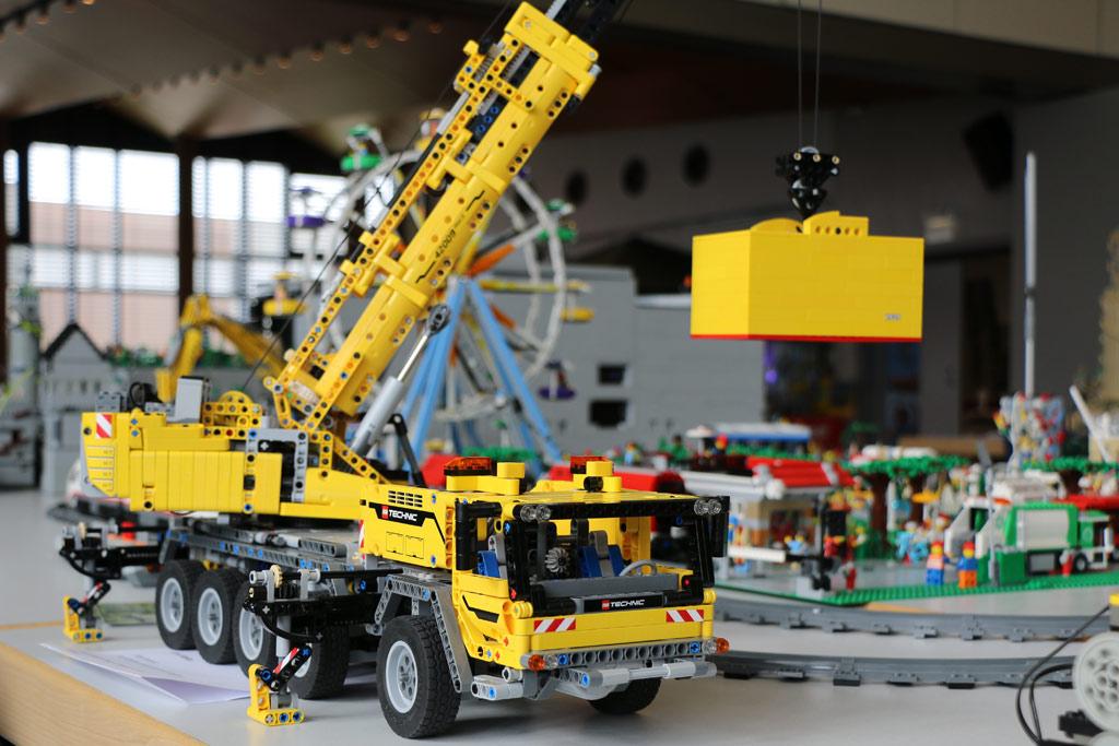 Flankiert wurde das Layout auch von LEGO Technic | © Andres Lehmann / zusammengebaut.com