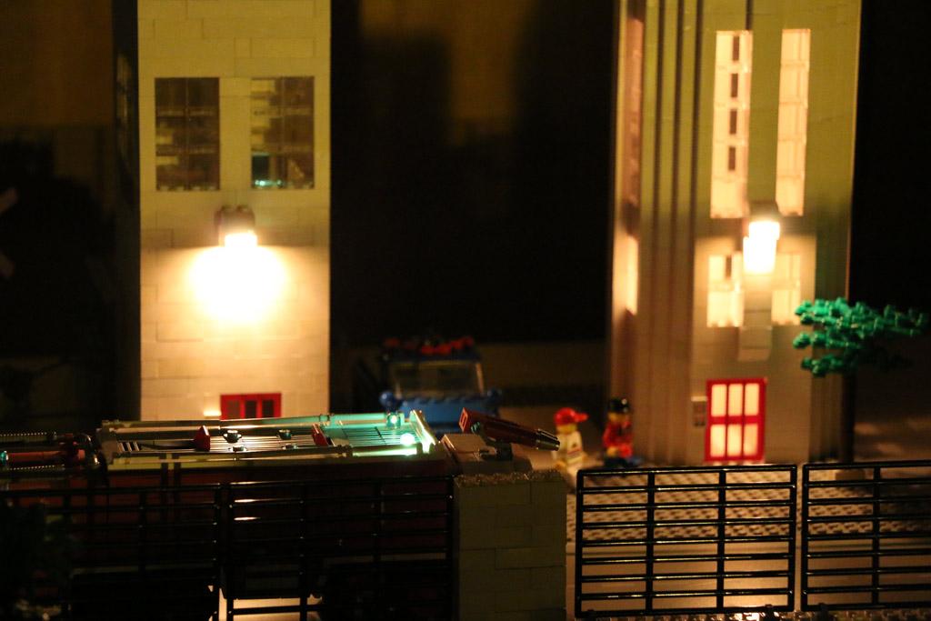 Flughafen bei Nacht | © Andres Lehmann / zusammengebaut.com