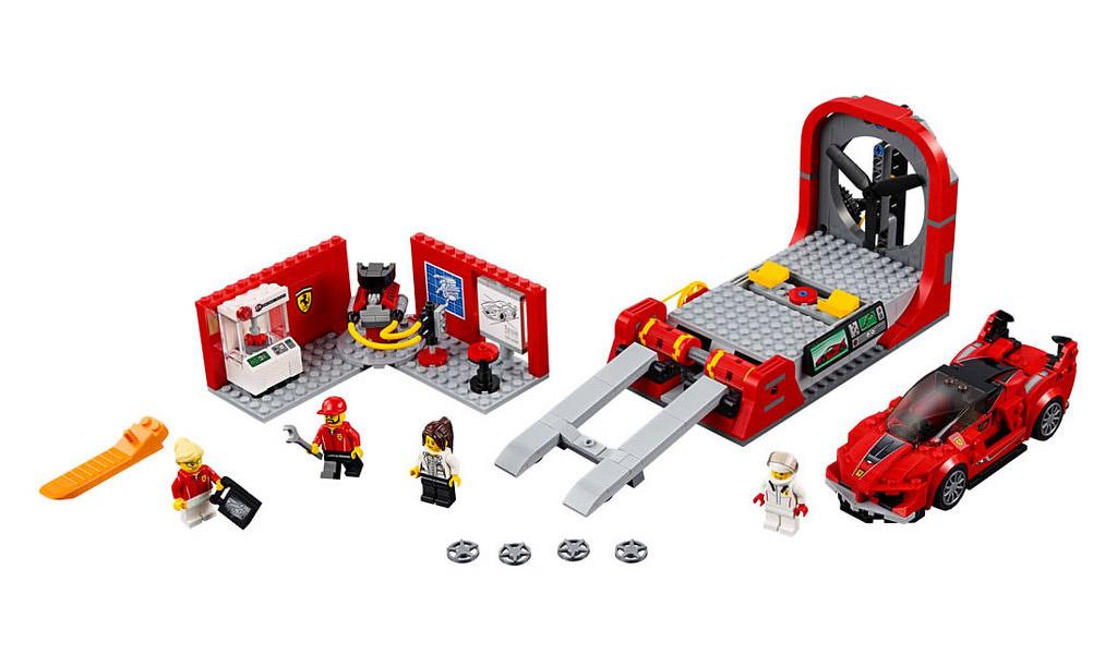 LEGO Speed Champions Ferrari FXX K & Development Center 75882   © LEGO Group