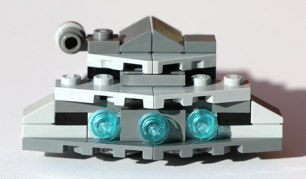 Rückseite mit Bremslichtern (quasi) | © Andres Lehmann / zusammengebaut.com