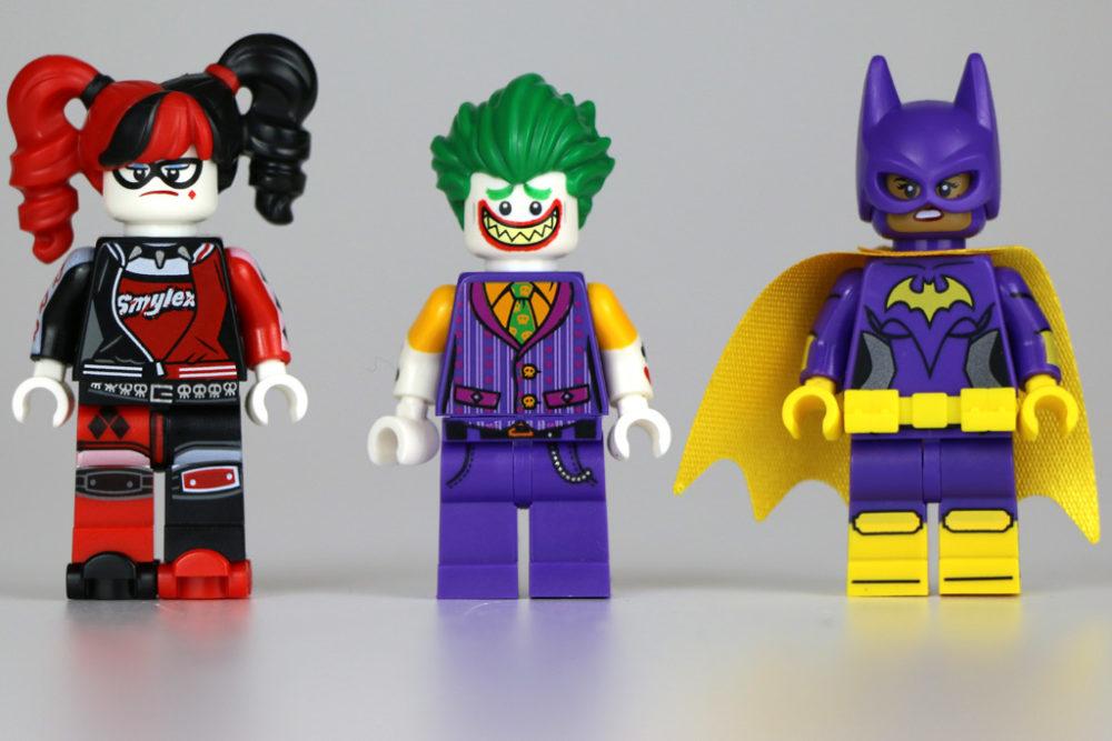 the-lego-batman-movie-the-joker-notorious-lowrider-minifigures-harley-quinn-batgirl-alternativer-gesichtsausdruck-set-70906-2016-zusammengebaut-andres-lehmann zusammengebaut.com