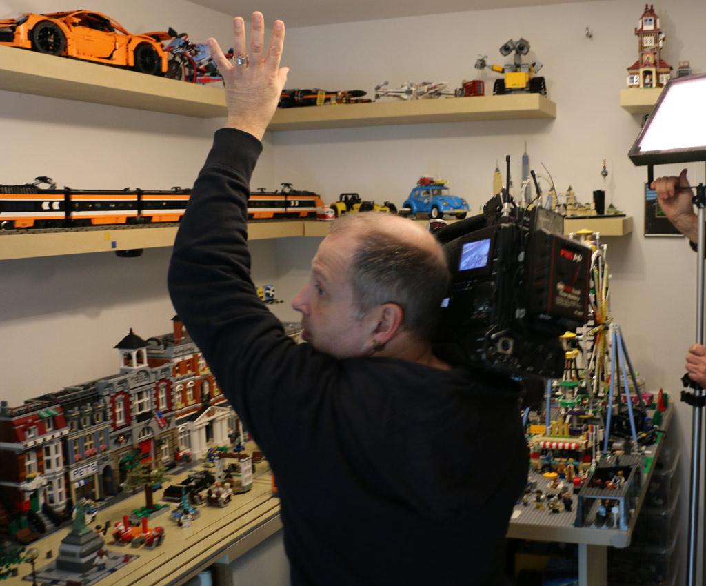 NDR Kameramann Boris Mahlau bei der Arbeit | © Andres Lehmann / zusammengebaut.com